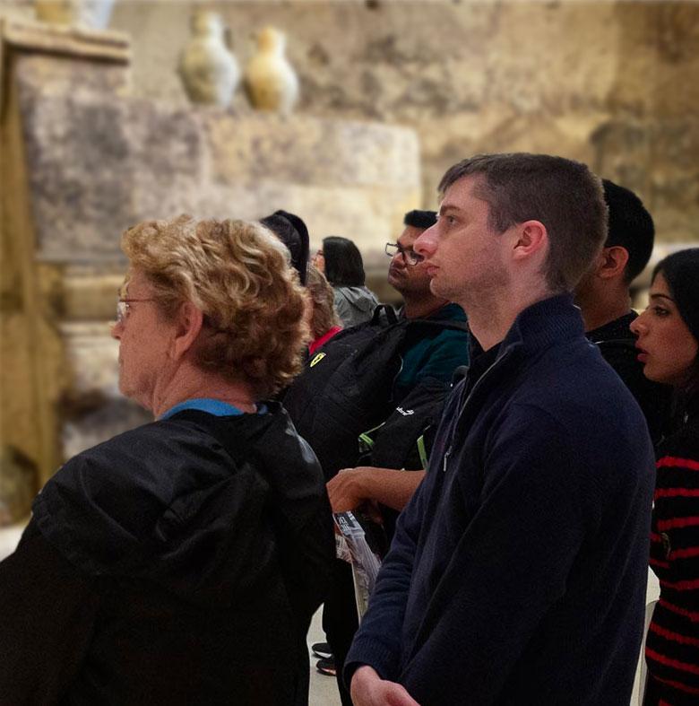 visita-guidata-gruppi-mudesca-museo-dello-scavo-matera-centro-museale-grotta-mostra-spazio-espositivo-sassi-basilicata