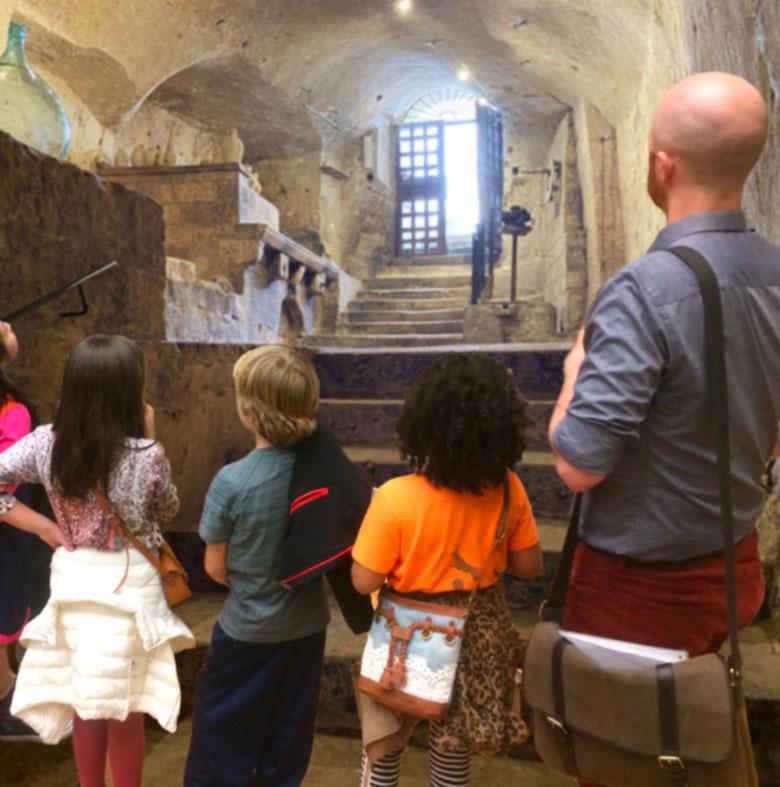 visita-guidata-scuole-mudesca-museo-dello-scavo-matera-centro-museale-grotta-mostra-spazio-espositivo-sassi-basilicata